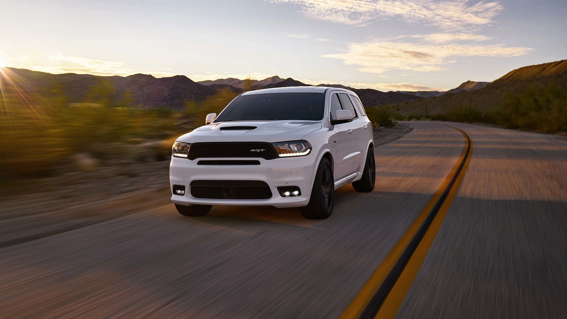 the 475 horsepower 2018 dodge durango srt. Black Bedroom Furniture Sets. Home Design Ideas